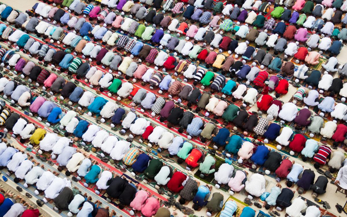 لماذا يريدون تحجيم الزيادة السكانية في العالم الإسلامي؟